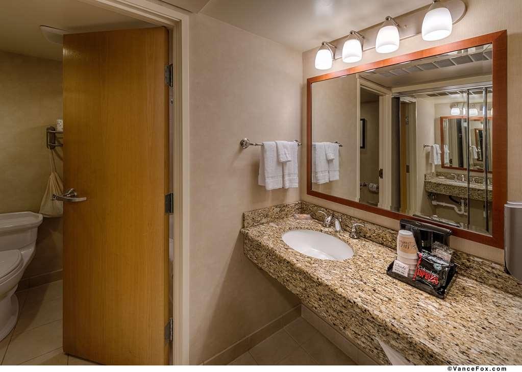 Best Western Plus Silverdale Beach Hotel - Bagno