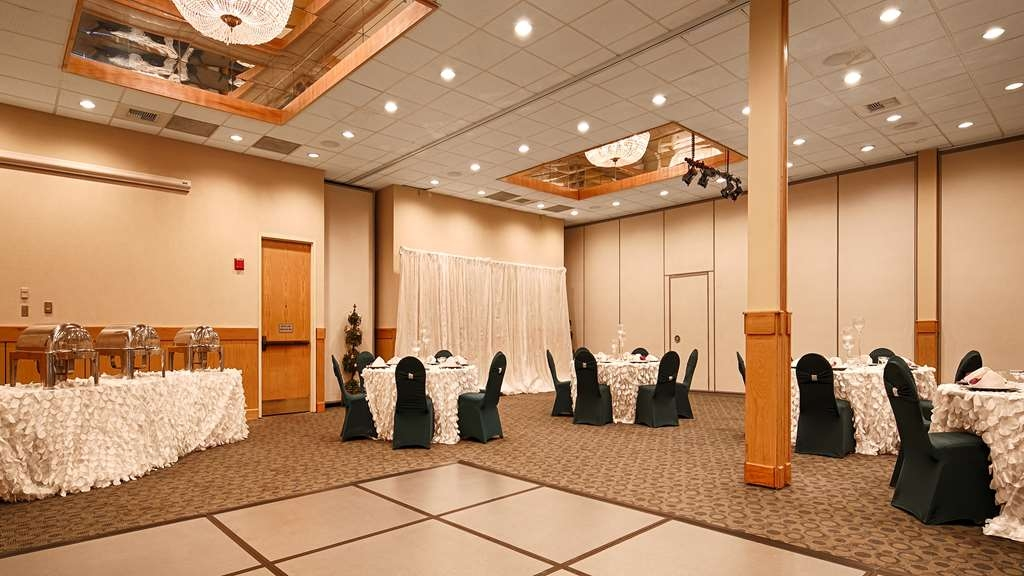 Best Western Plus Silverdale Beach Hotel - Parties weddings corporate...we do it all!
