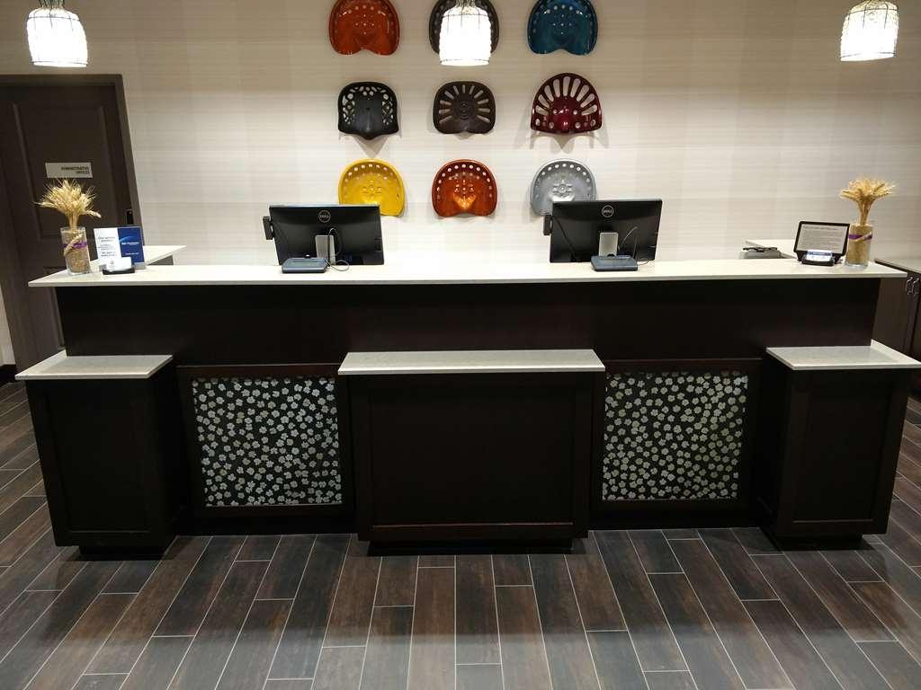 Best Western Plus Dayton Hotel & Suites - Lobbyansicht