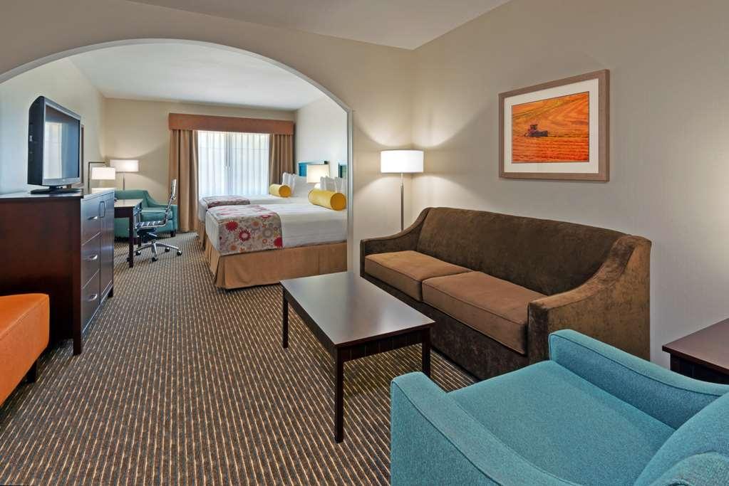 Best Western Plus Dayton Hotel & Suites - Suite