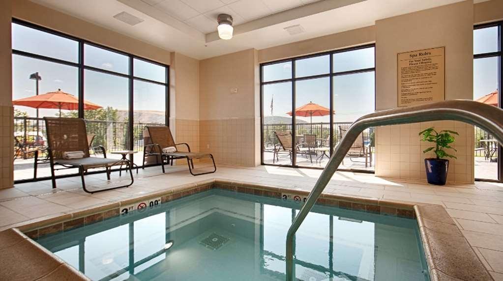 Best Western Plus Dayton Hotel & Suites - Poolansicht