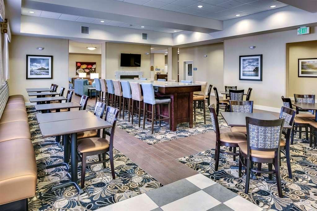 Best Western Plus Arlington/Marysville - Prima colazione a buffet