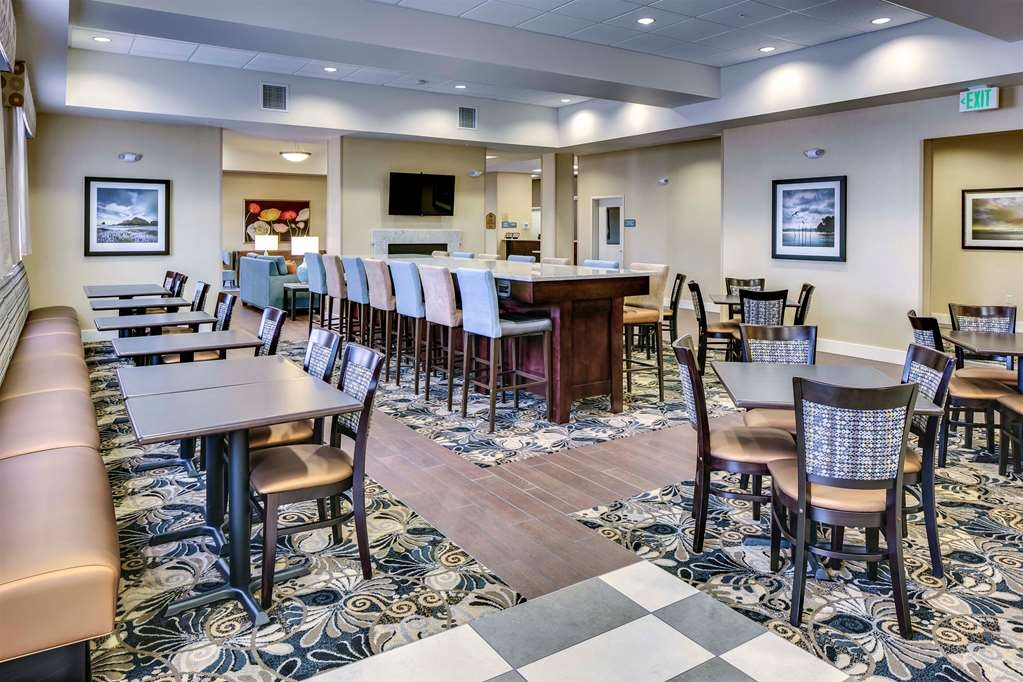 Best Western Plus Arlington/Marysville - Frühstücksbuffet