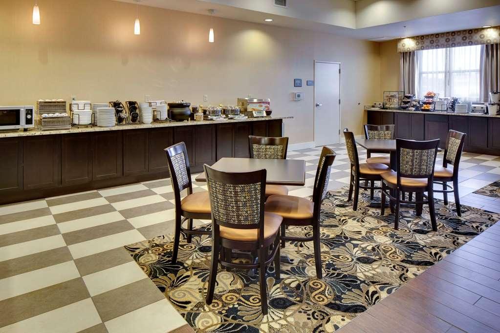 Best Western Plus Arlington/Marysville - Le petit déjeuner buffet