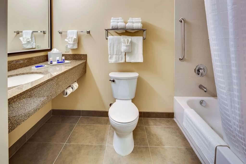 Best Western Plus Arlington/Marysville - Badezimmer