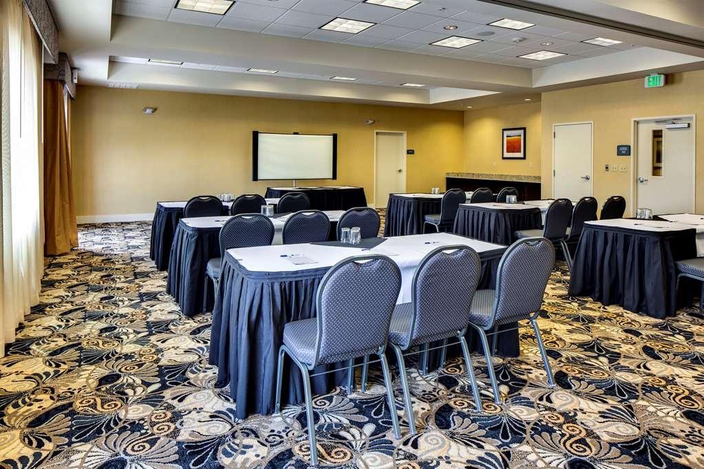 Best Western Plus Arlington/Marysville - Salle de réunion
