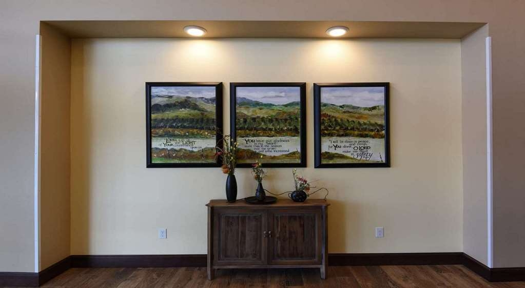 Best Western Plus Vintage Valley Inn - Our building is full of beautiful art and vintage pictures from the lower Yakima valley. Take a stroll in the past with us.