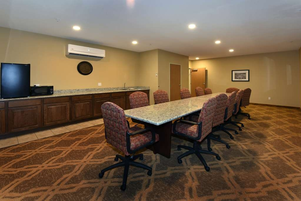 Best Western Plus Vintage Valley Inn - Boardroom seats 15-20, is set up for all technical devices, large TV, counter with sink, fridge and microwave and comes with coffee and water.