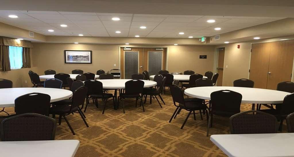 Best Western Plus Vintage Valley Inn - Conference Room