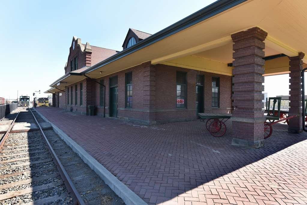 Best Western Plus Vintage Valley Inn - Pacific Railroad Museum