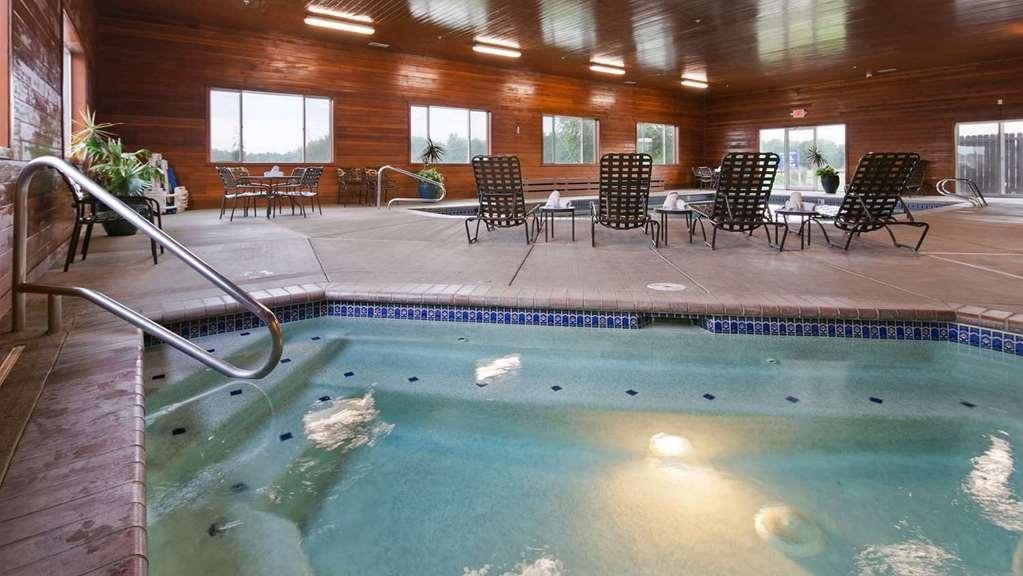 Best Western Plus Vintage Valley Inn - Hot-Tub in Pool area