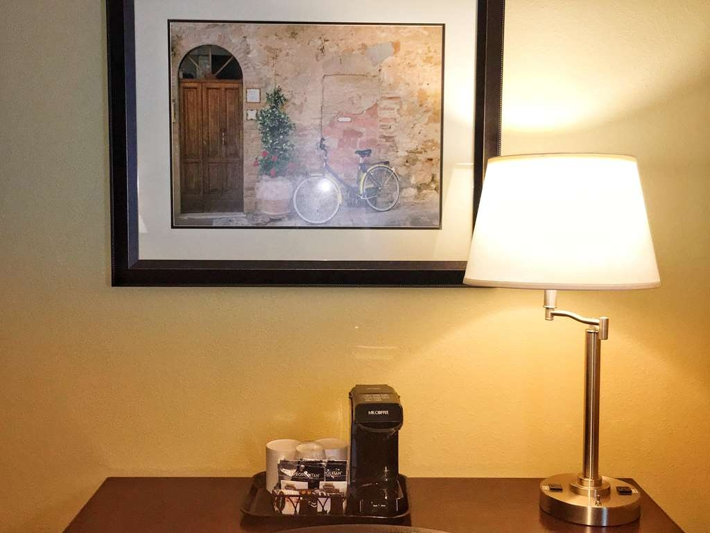 Best Western Plus Vintage Valley Inn - in room coffee tea service