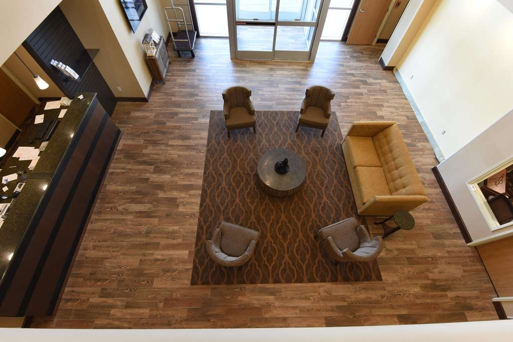 Best Western Plus Vintage Valley Inn - lobby from above