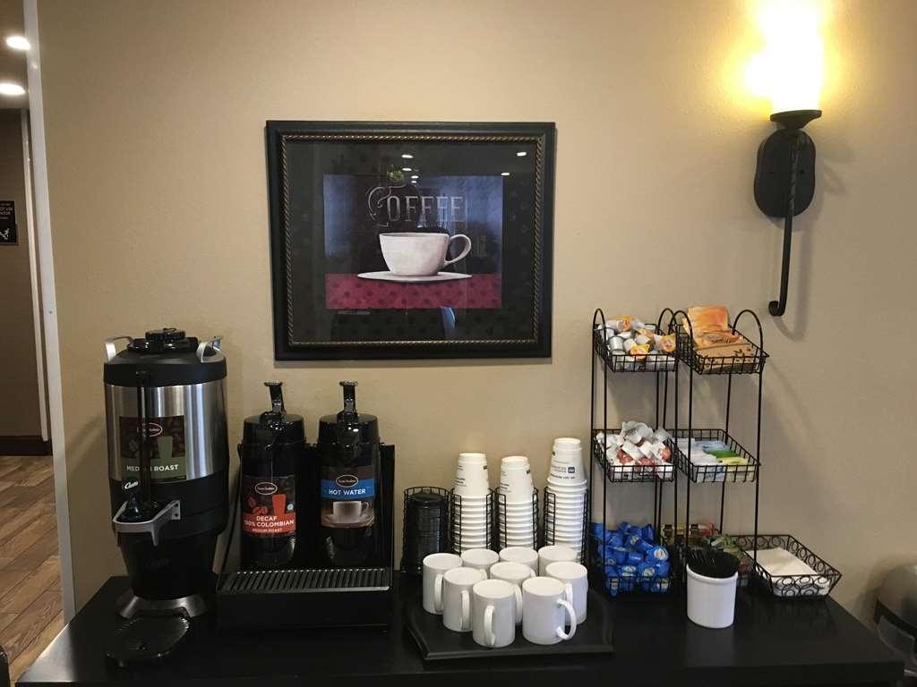 Best Western Plus Vintage Valley Inn - coffee tea service