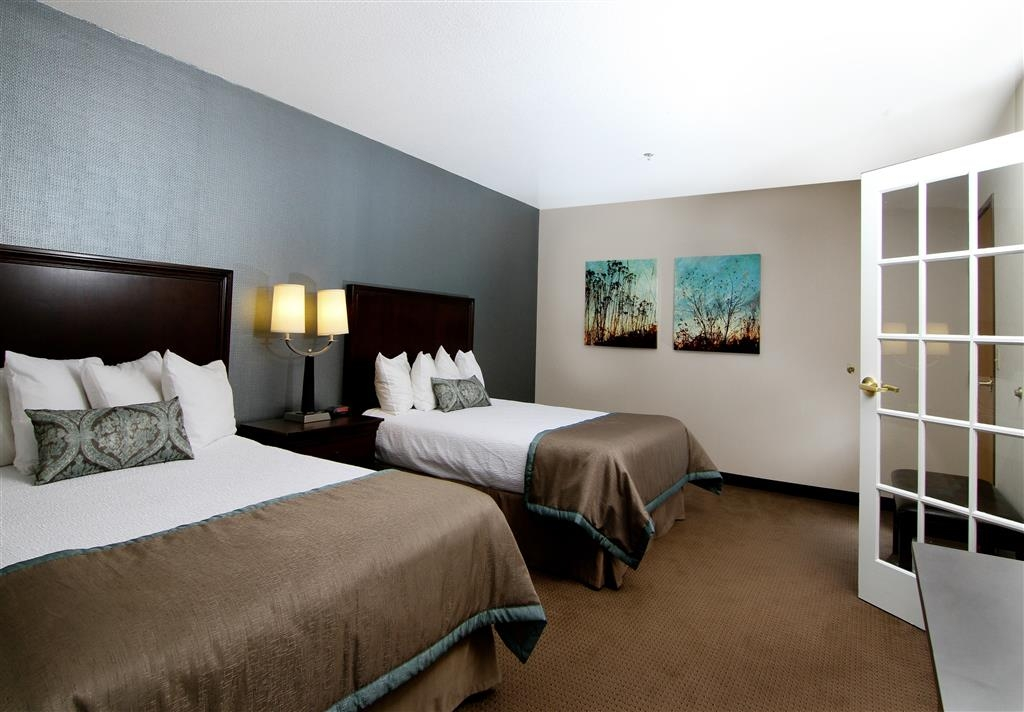 Best Western Plus City Center - Our family suites will sleep 6 people