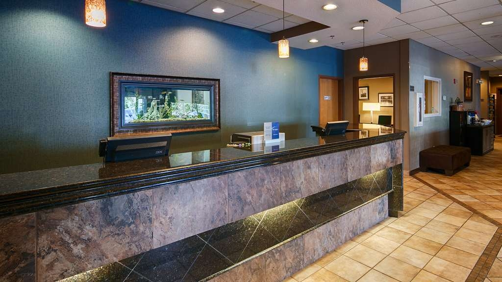 Best Western Plus City Center - Our front desk is happy to provide all the comforts of home for you during your stay.