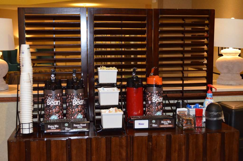 Best Western Liberty Inn DuPont - Coffee and tea, perfect for breakfast or anytime.
