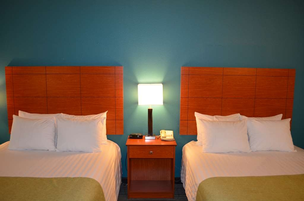 Best Western Liberty Inn DuPont - Enjoy our double queen rooms with two queen beds.