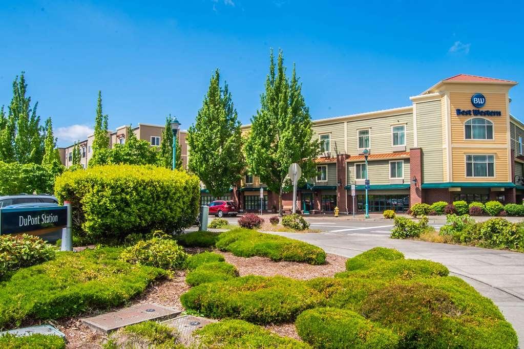 Best Western Liberty Inn DuPont - Facciata dell'albergo