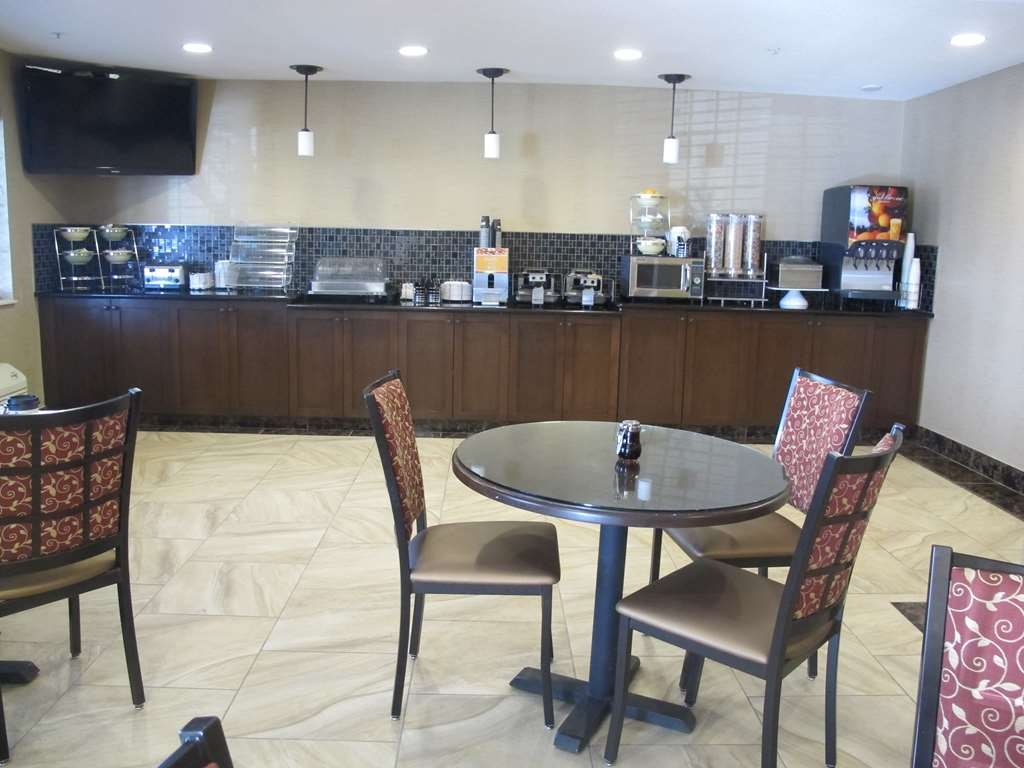 Best Western Woodland Inn - Serving banquet style hot breakfast every morning between 6 a.m. and 9 a.m. You will find fresh hot coffee here 24-hours a day.