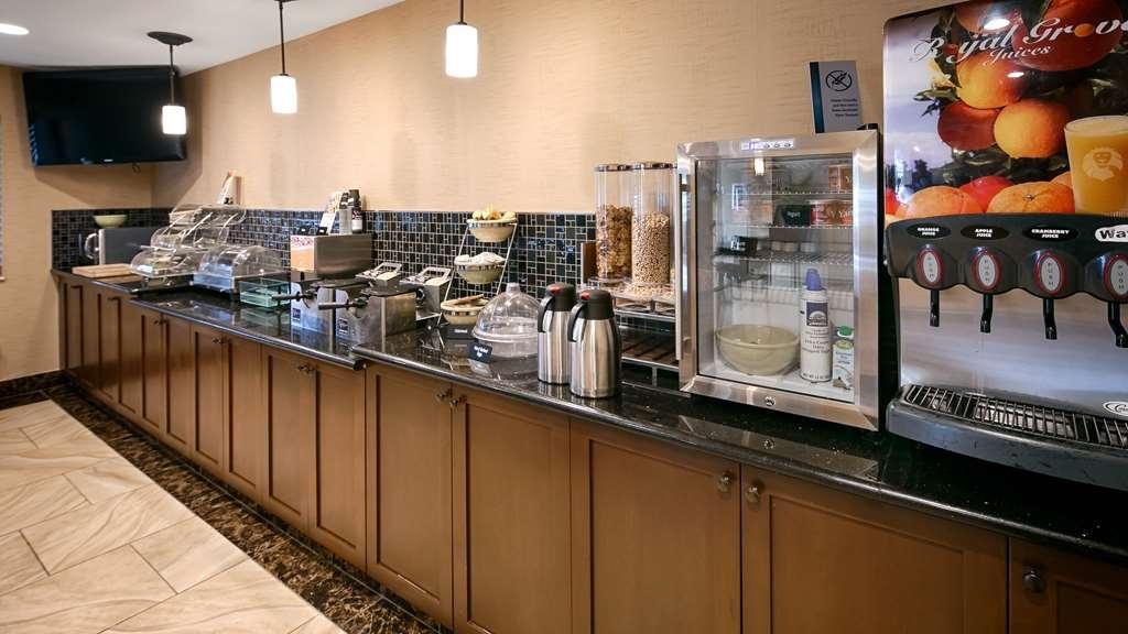 Best Western Woodland Inn - Desayuno Buffet