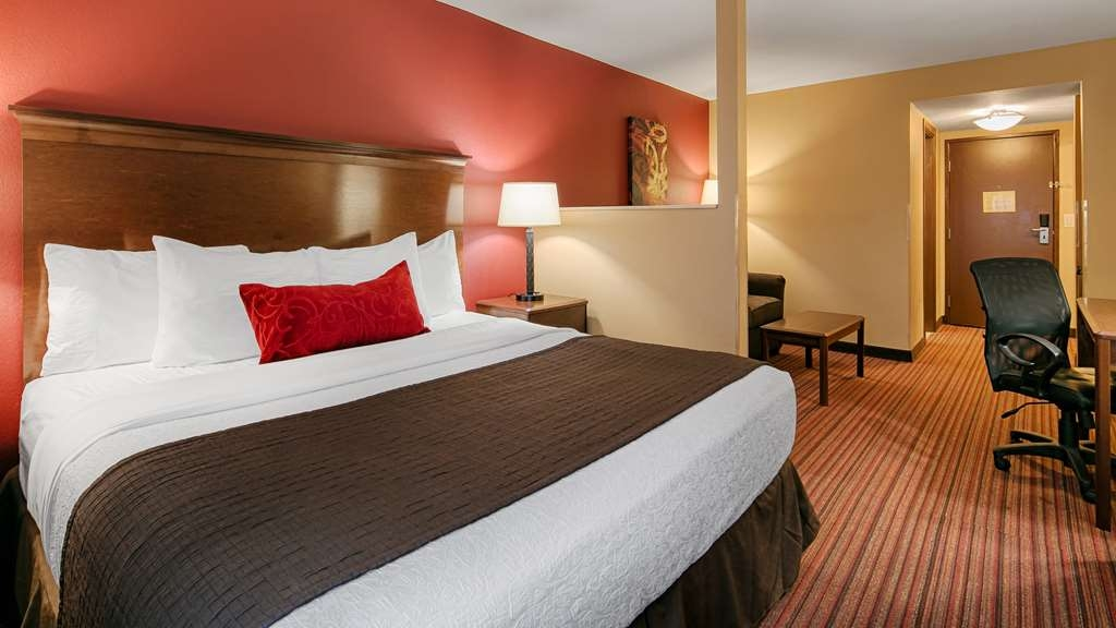Best Western Woodland Inn - Make yourself at home in our King guest room.