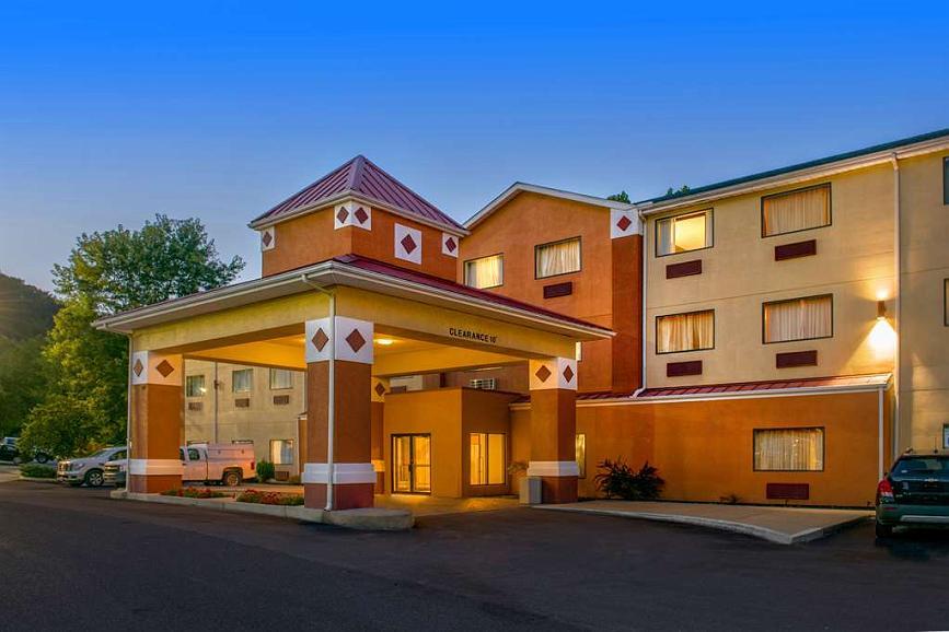 Best Western Logan Inn - Aussenansicht