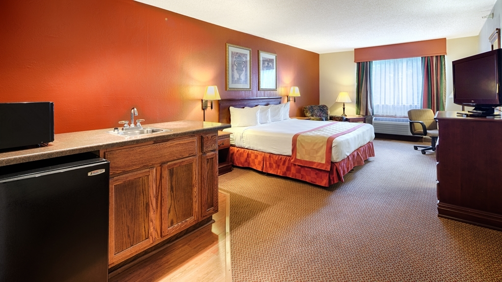 Best Western Logan Inn - For an extended stay make a reservation in our king bedrooms featuring a microwave.