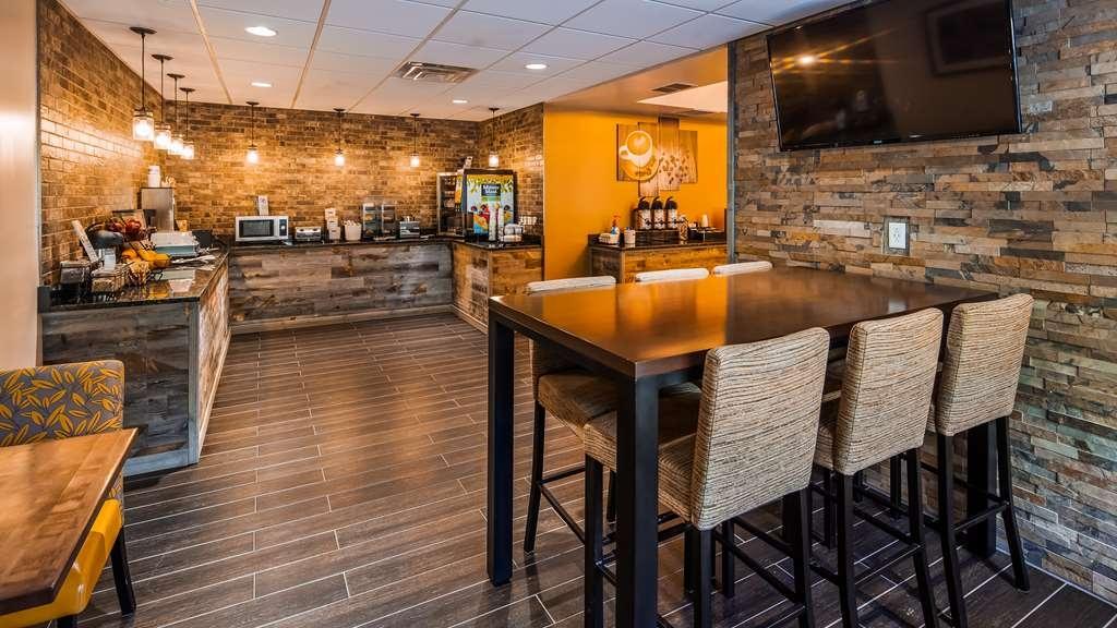 Best Western Logan Inn - Breakfast Area