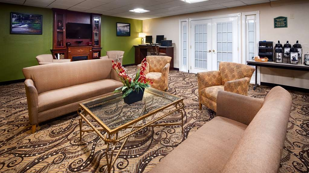 Best Western Huntington Mall Inn - Lobby