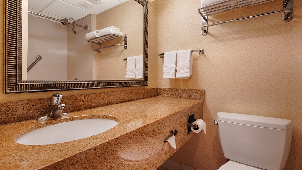 Best Western Mountaineer Inn - Baño