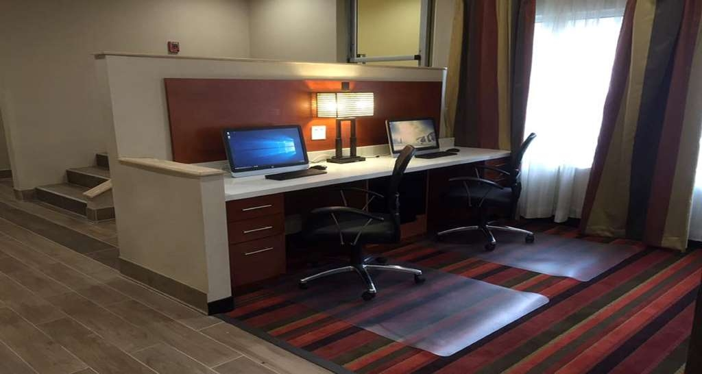 Best Western Mountaineer Inn - Feel free to check your email in our business center.