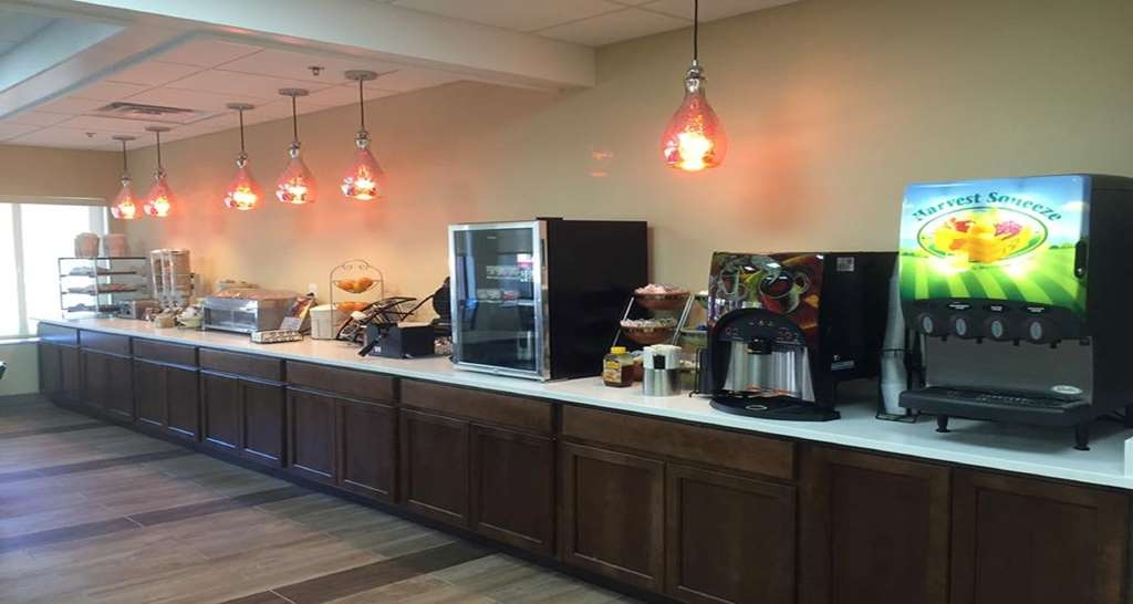 Best Western Mountaineer Inn - Even if you're in rush, don't miss the most important meal of the day!