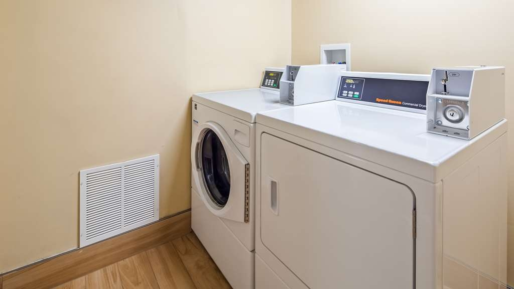 Best Western Plus Bridgeport Inn - Guest Laundry