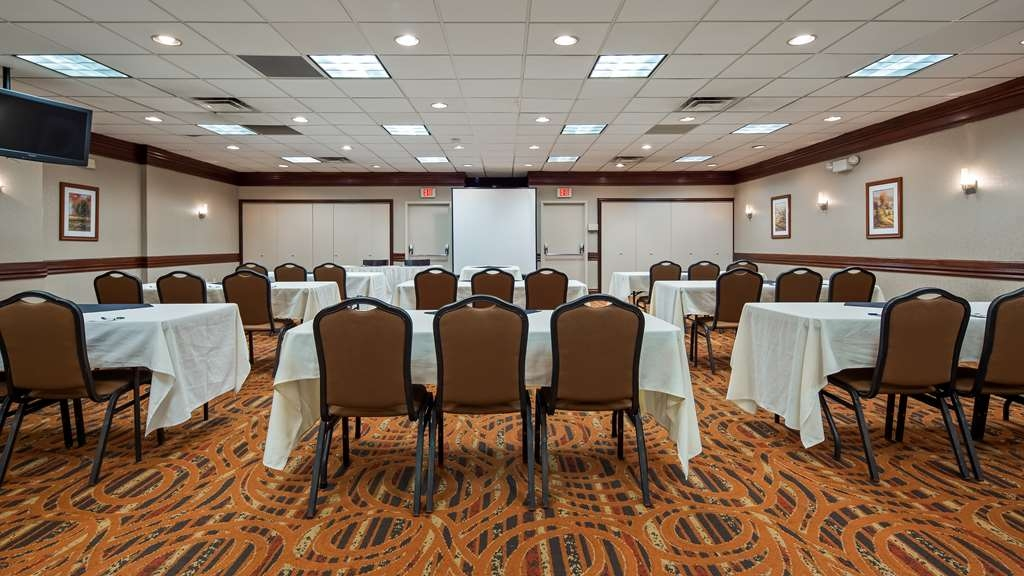 Best Western Plus Bridgeport Inn - Meeting Space