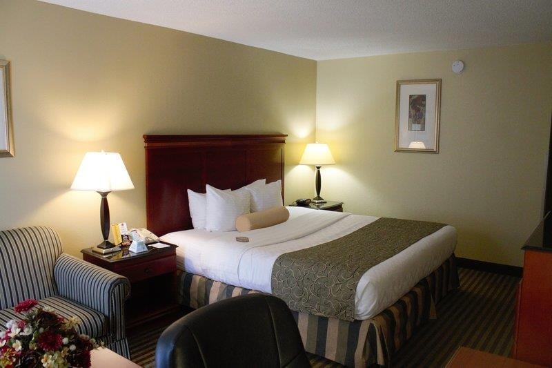 Best Western Plus Bridgeport Inn - Our king guest room offers spacious accommodations for both work and relaxation.