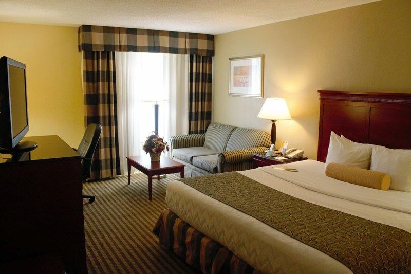 Best Western Plus Bridgeport Inn - We offer a variety of king rooms including executive rooms with a sofa bed or standard.
