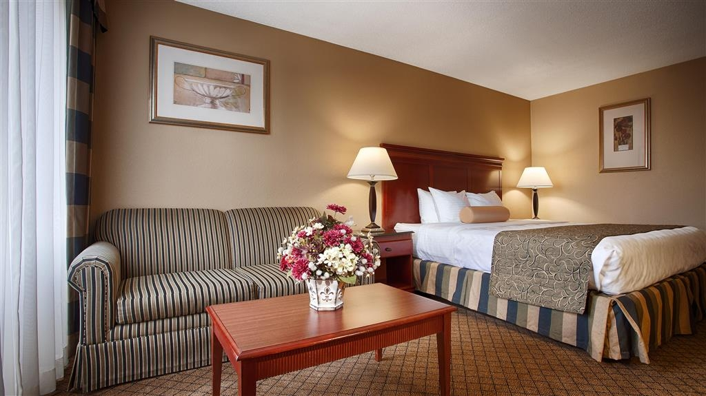 Best Western Plus Bridgeport Inn - Indulge yourself in our spacious king guest room.
