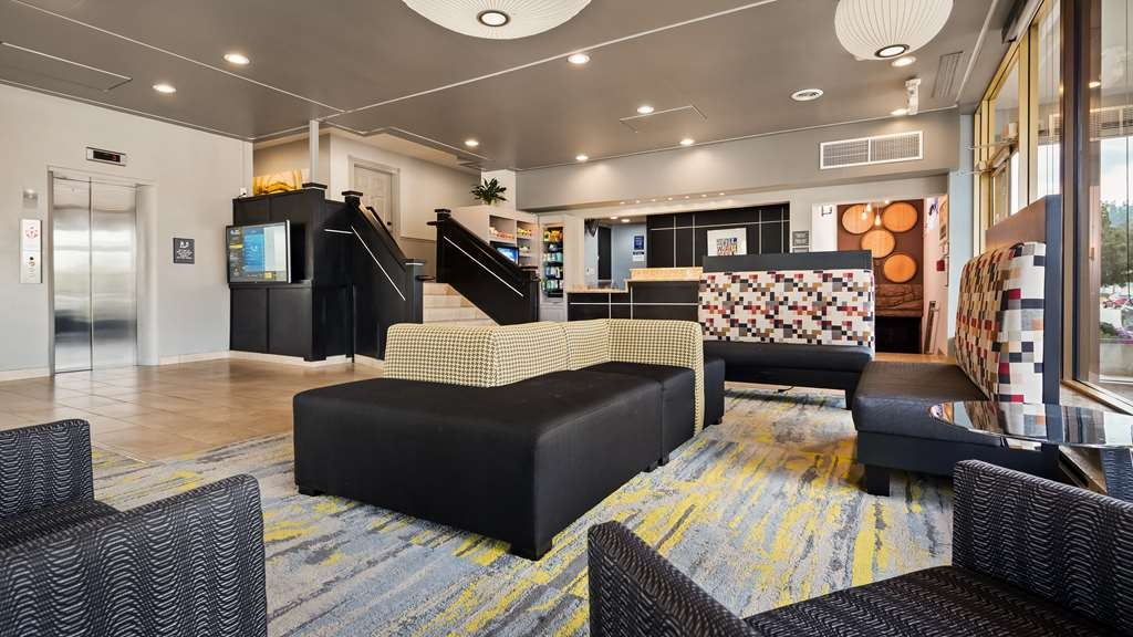 Best Western Milwaukee West - First impressions are the most important, and our chic lobby is no exception to that rule.