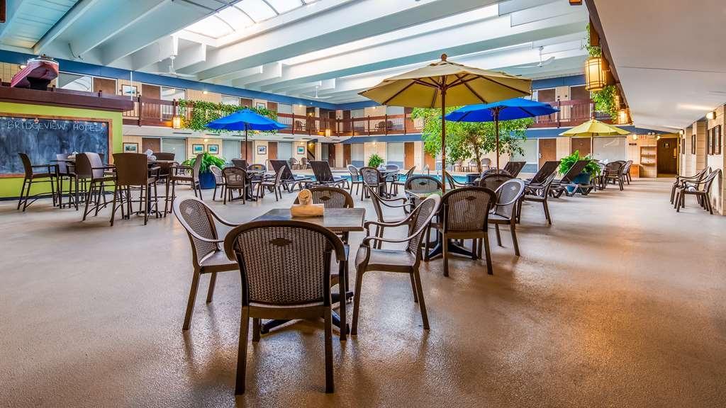 Best Western Bridgeview Hotel - Piscina