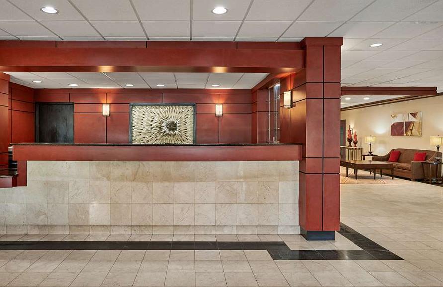 Hotel in Milwaukee | Best Western Plus Milwaukee Airport
