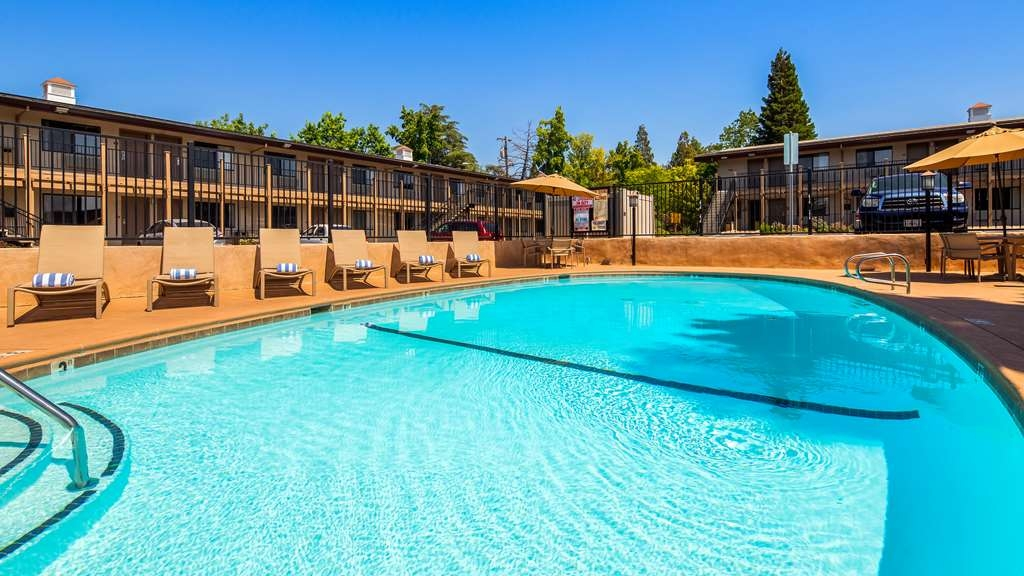 Best Western Golden Key - Piscina
