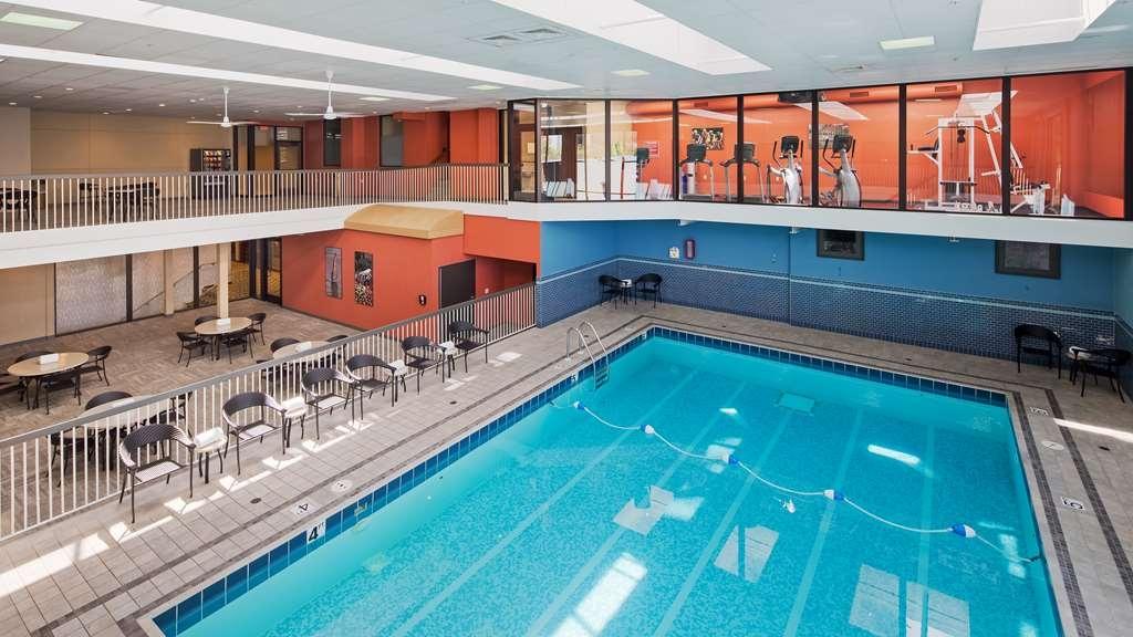 Best Western Premier Park Hotel - Poolansicht