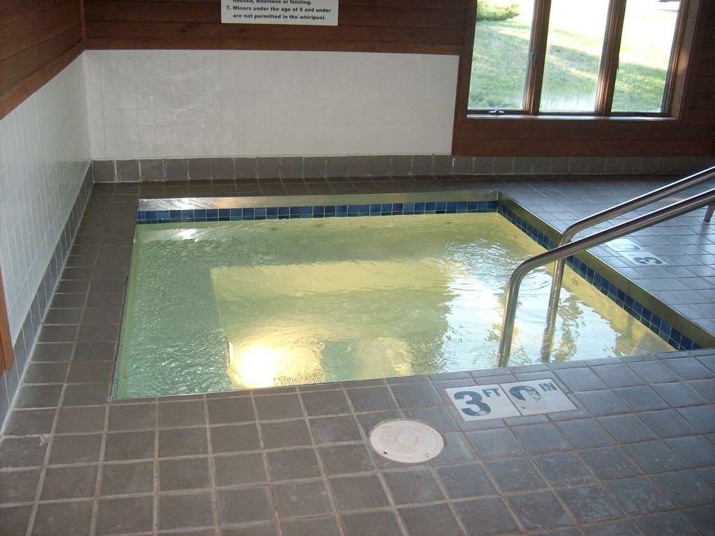 Best Western Maritime Inn - Take time to relax in our hot tub sure to soothe tired travelers.