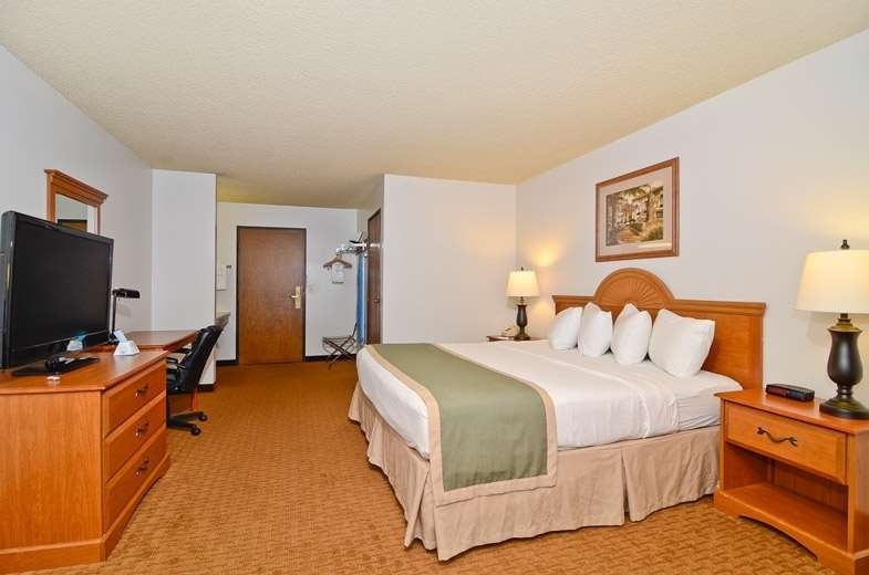 Best Western Maritime Inn - Spacious comfortable room with one king bed and standard amenities including Wi-Fi, coffee maker, hair dryer, iron and ironing board.