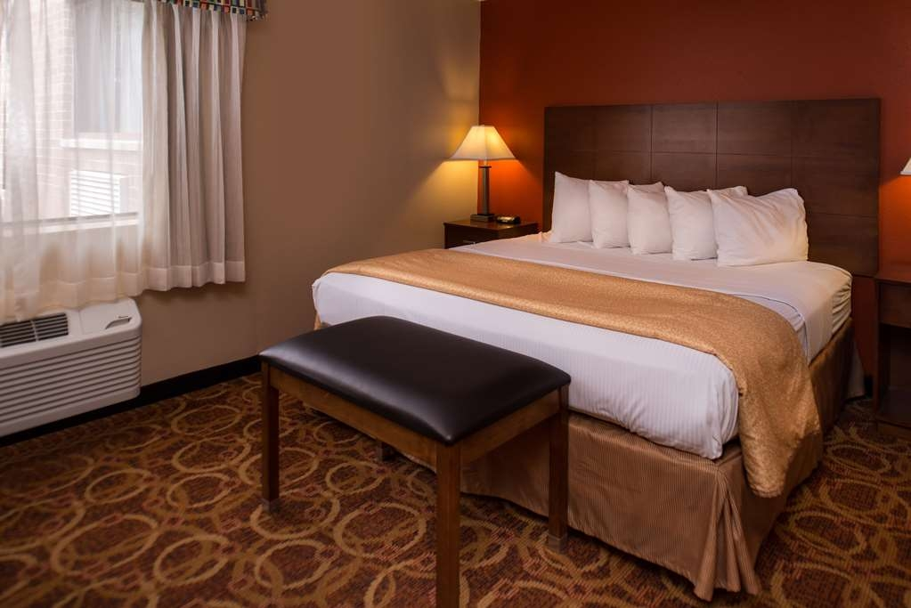 Best Western Ambassador Inn & Suites - For extra luxury, stay in the Executive Suite. With two separate bedrooms, a spacious living room, and a full Kitchen, you are sure to have a relaxing stay.