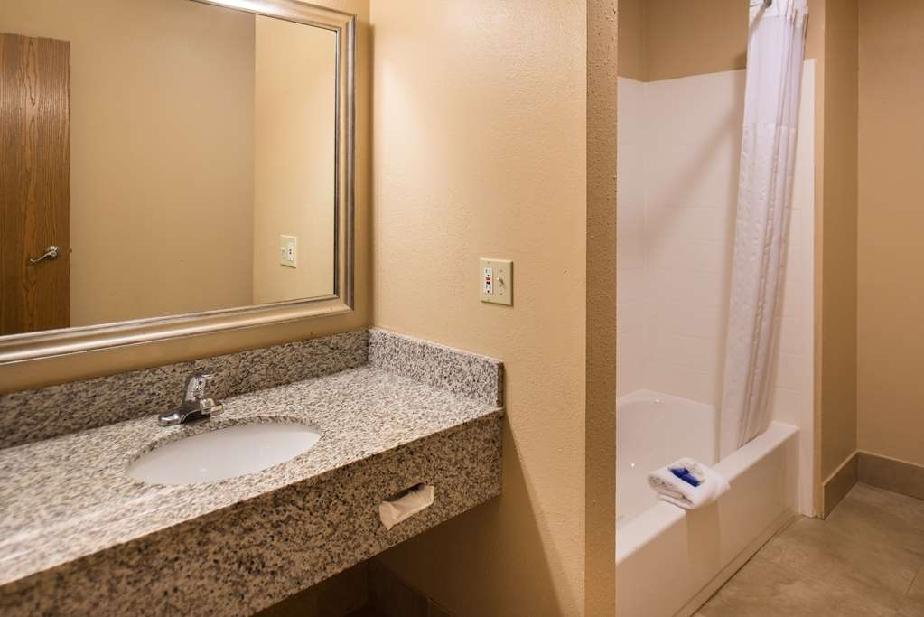Best Western Ambassador Inn & Suites - Executive Suite