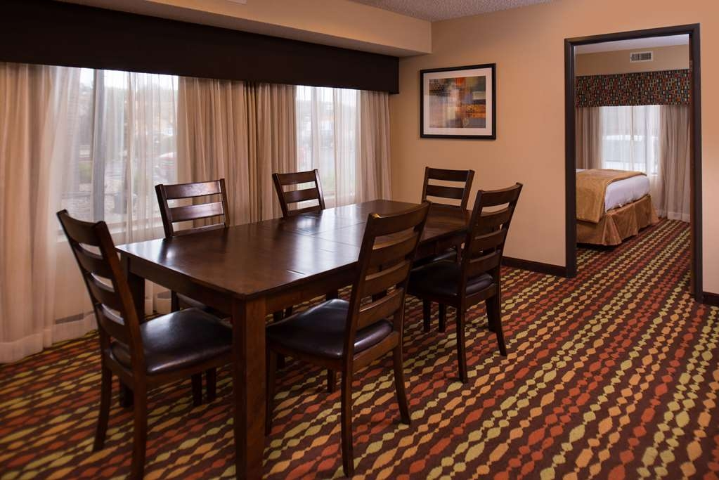 Best Western Ambassador Inn & Suites - Whether you are enjoying a meal, games, or just sharing time with family and friends, our Executive Suite provides ample space to make memories.