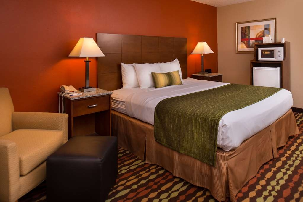 Best Western Ambassador Inn & Suites - King Guest Room