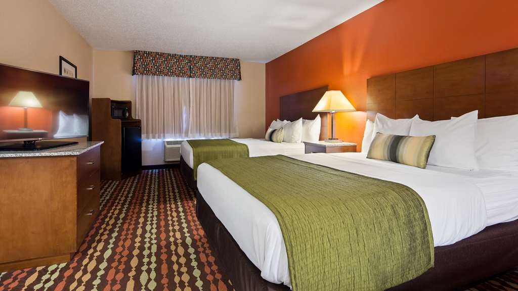 Best Western Ambassador Inn & Suites - guest room